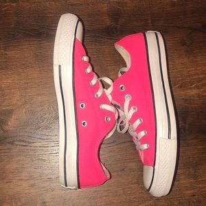 Converse Chuck Taylor Low Top All Star Sneaker